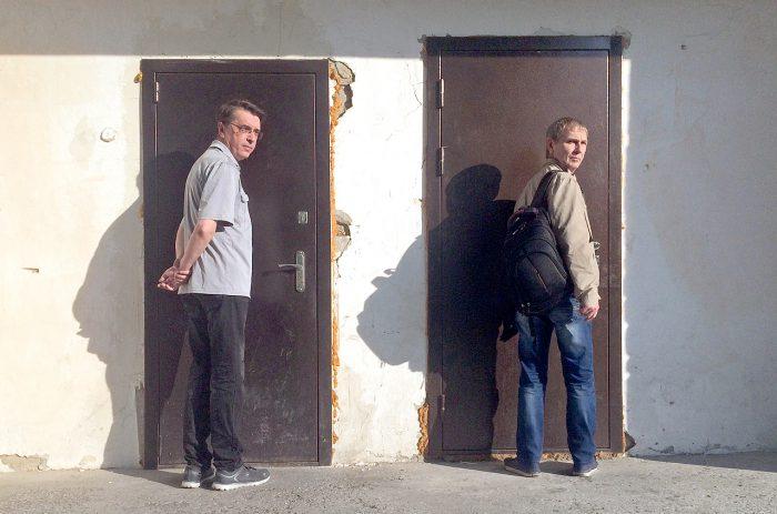 Георгий Селегей и Дмитрий Рябов в поисках не то входа, не то выхода (23.07. 2018)