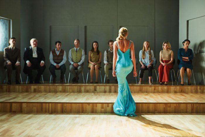 Сцена из спектакля «Пианисты» молодежного театра «Глобус»
