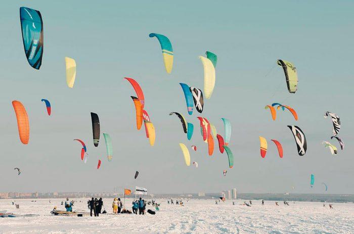 Гости «Кубка Сибири-2018» смогут открыть для себя захватывающий мир сноукайтинга и зимнего виндсерфинга, приняв участие в бесплатных ознакомительных мастер-классах