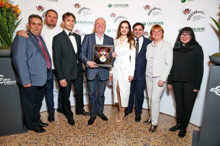 Коллекция «Золотых масок» Новосибирского музыкального театра пополнилась двумя премиями за лучший мюзикл и лучшую режиссуру