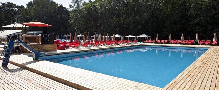 На сайте «Соснового бора» уже сообщается, что скоро у жителей Новосибирска и гостей города «появится возможность комфортно отдохнуть летом с семьей и друзьями, не покидая пределы городской черты!»