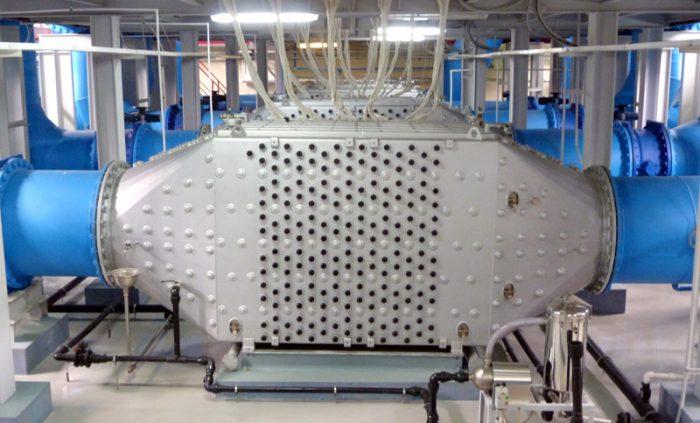 Блок ультрафиолетового облучения производительностью 350 тысяч кубометров в сутки на насосно-фильтровальной станции № 1