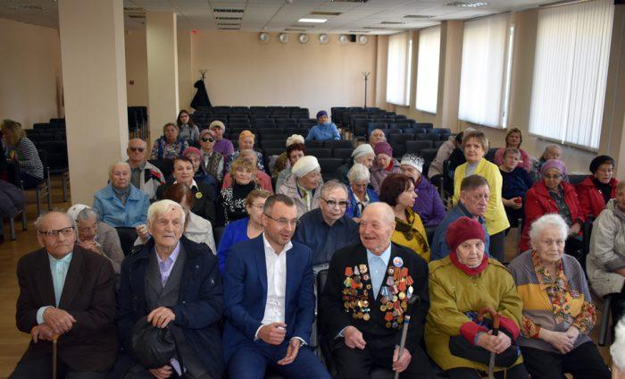 Глеб Дебов с участниками встречи