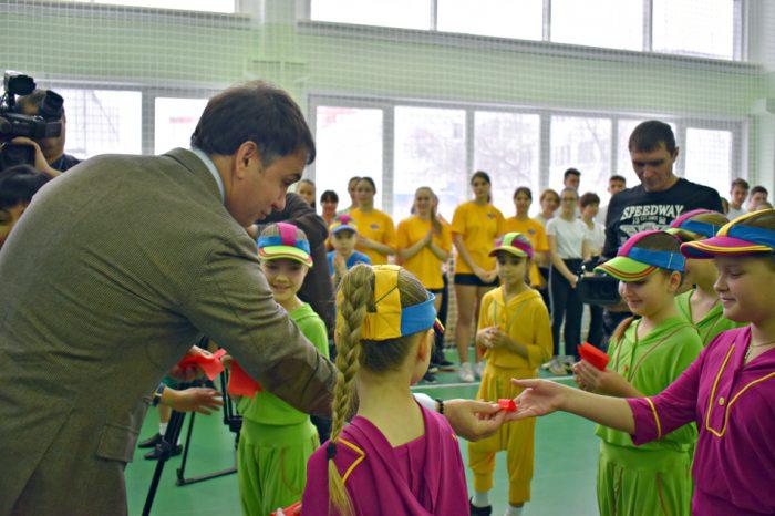 Дмитрий Асанцев знает, как стимулировать интерес ребят к сдаче нормативов
