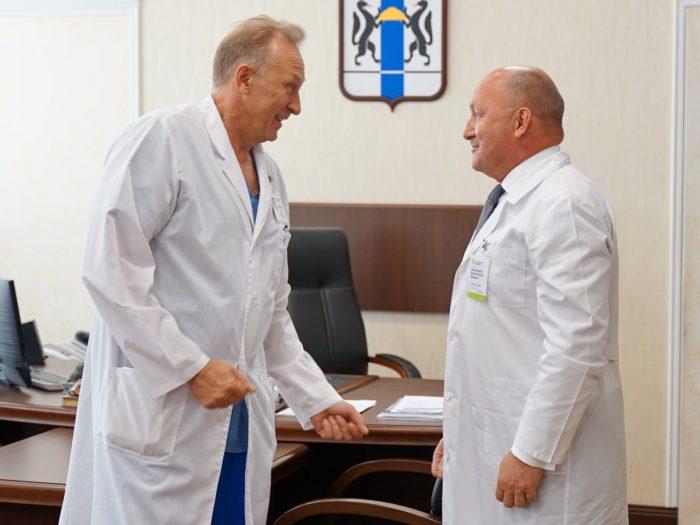 Ректор НГМУ Игорь Маринкин и главный врач Новосибирской областной больницы Анатолий Юданов