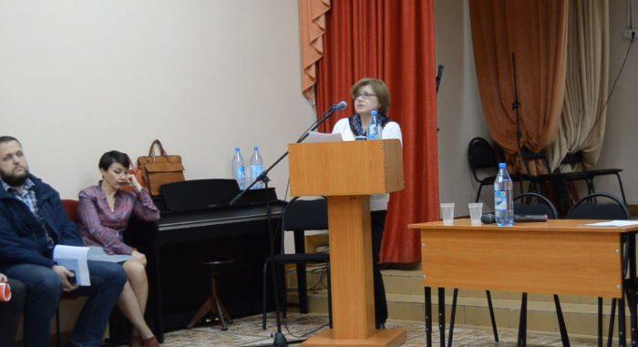 Татьяна Михалева ведет собрание членов ЖСК