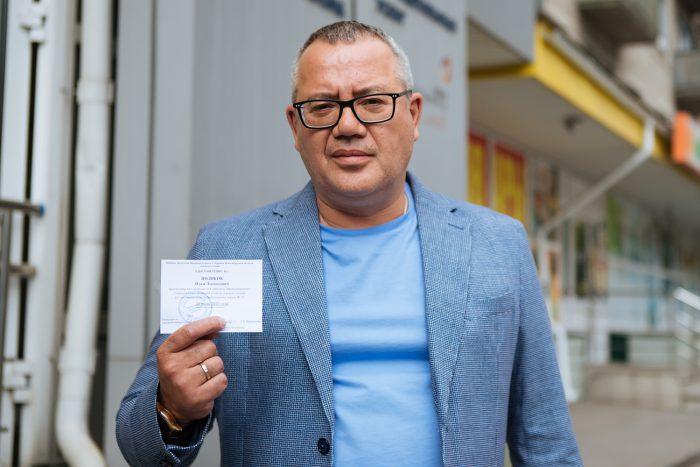 Илья Поляков променял теплое место в списке ЛДПР на трудный хлеб одномандатника и зарегистрировался быстрее всех