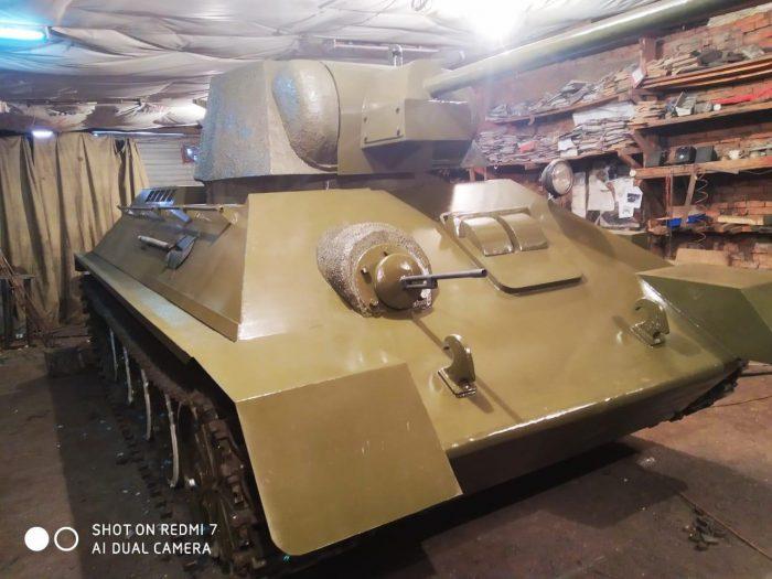 Макет легендарного танка Т-34: новосибирская…