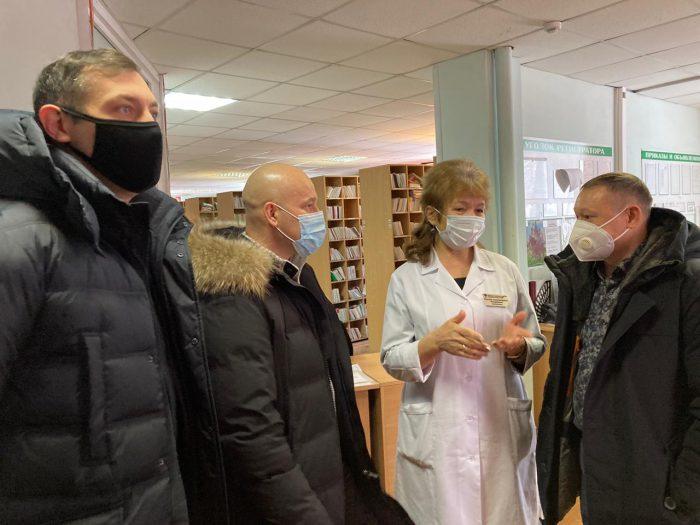 С инициативой обеспечить медиков горячим питанием  выступила команда депутатов Кировского района
