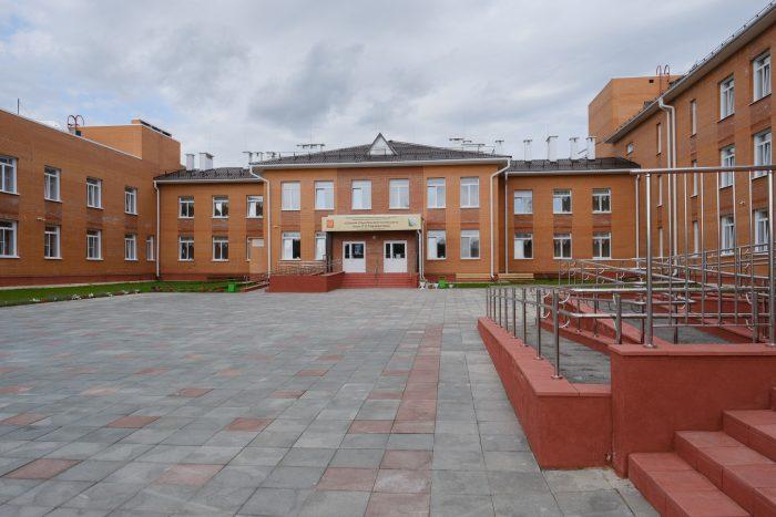 Школа в поселке Маслянино